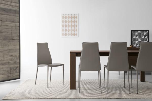 sedia in metallo rivestita in pelle e sedile imbottito calligaris