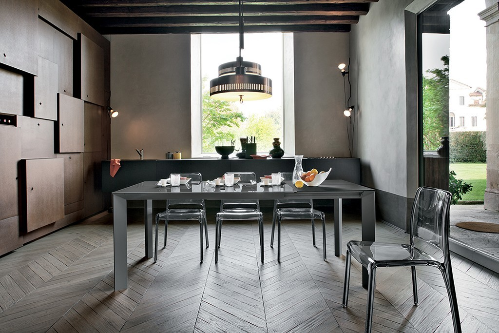 Vendita tavoli moderni brescia for Tavoli pranzo moderni