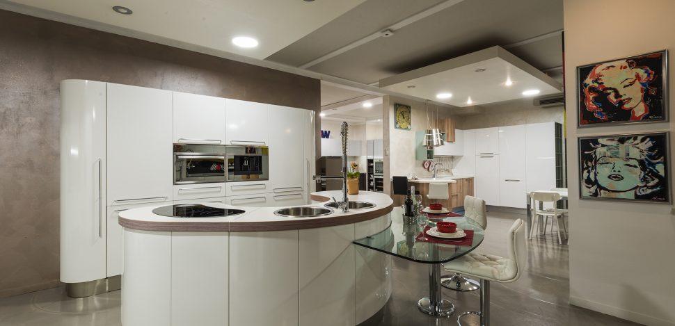 Cucina con isola offerta brescia - Moby arredamenti