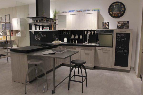 Outlet Dell Arredamento Brescia.Offerte Moby Arredamenti